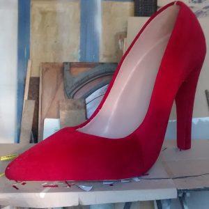 santiago+rey+realizacin+utilera+publicidad+zapato+gigante+1